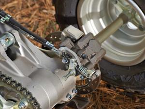 2013.yamaha.raptor700.close-up.rear-brake.jpg