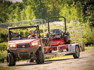 2015.gravely.atlas-jsv.red.front.pulling-trailer.jpg