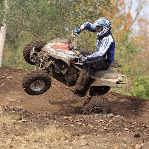 2015.honda250r.white.front-left.riding.on-dirt.jpg