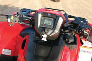 2015.honda.fourtrax-foreman-rubicon.close-up.console.jpg