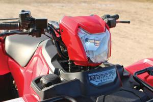 2015.honda.fourtrax-foreman-rubicon.close-up.headlight.jpg
