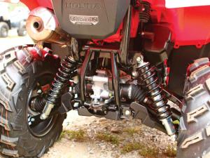 2015.honda.fourtrax-foreman-rubicon.close-up.rear-suspension.jpg