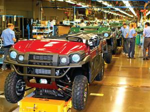 2015.kawasaki.factory-tour.mule-production-line.JPG
