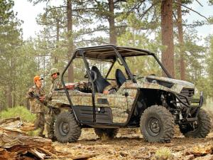 2015.kawasaki.teryx.camo.right.parked.by-hunters.jpg