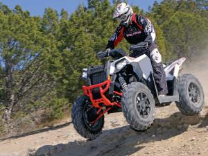 2015.polaris.scrambler1000xp.front-left.white.jumping.in-air.JPG