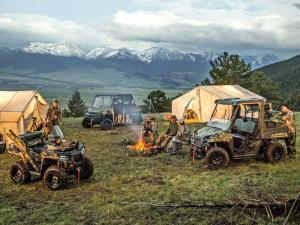 2015.polaris.sportsman-and-ranger.camo.parked.by-hunters.jpg