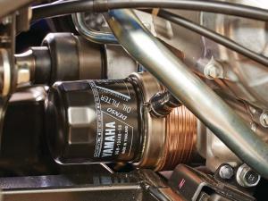 2015.yamaha.viking-vi.close-up.oil-filter.jpg
