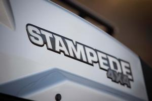 2016.bad-boy-buggy.stampede900-4x4.close-up.logo-decal.jpg