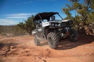 2016.bad-boy-buggy.stampede900-4x4.front-right.riding.on-sand.jpg