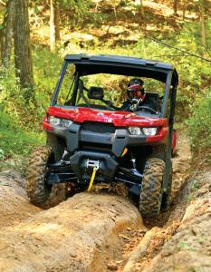 2016.can-am.defender.red.front.riding.up-hill.jpg