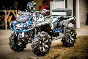 2016.can-am.outlander-custom-craig-weston.silver.front-left.parked.on-sidewalk.jpg