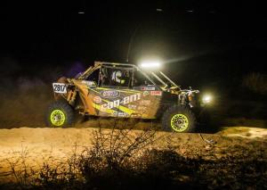 2016.can-am.racer.team-murray.racing.maverick1000r.right.on-sand.jpg