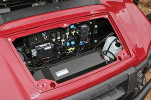 2016.kawasaki.mule-pro-dx-diesel.close-up.electronic-panel.jpg