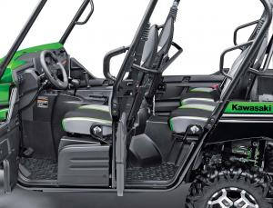 2016.kawasaki.teryx4_.close-up.drivers-side-doors.jpg