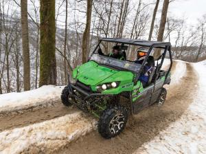 2016.kawasaki.teryx_.green_.front-left.riding.on-snow.jpg