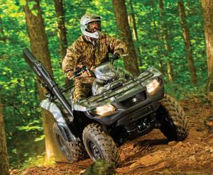 2016.suzuki.kingquad750axi.green_.front_.riding.on-trail.jpg