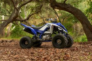 2016.yamaha.raptor700r.blue_.right_.parked.in-woods.jpg