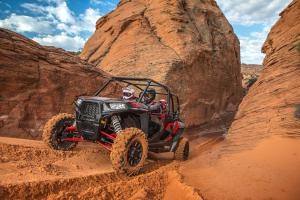 2017-rzr-xp-4-1000-eps-titanium-metallic_SIX6166_00335.jpg