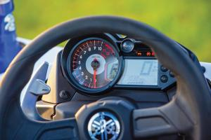 2017.yamaha.yxz1000r-ss.close-up.speedometer.jpg