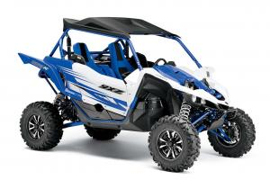 2017.yamaha.yxz1000r.blue_.front-right.studio.jpg