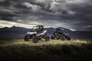 2018-rzr-rs1-black-pearl-white-lightning_six6284_01849.jpg