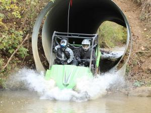 event.2010.badlands-offroad-park.teryx_.riding.through-tunnel.jpg