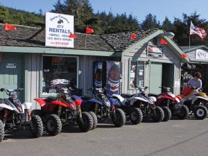 location.2011.atvs_.parked.by-dune-country-atv-rentals.oregon-winchester.jpg