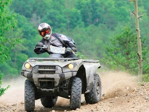 location.2012.anthracite-outdoor-adventure-area.can-am-outlander.riding.on-dirt.jpg