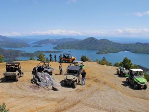 location.2012.california-chappie-shasta.side-x-sides.parked.at-overlook.jpg