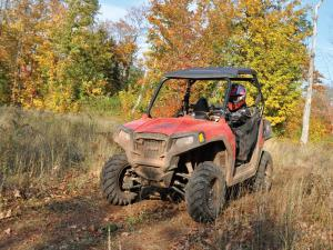 location.2012.keweenaw-michigan.polaris-rzr570.riding.on-trail.jpg