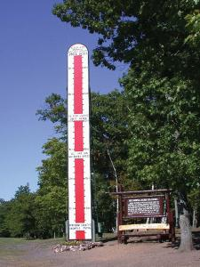 location.2012.keweenaw-michigan.tall-snow-fall-sign.jpg