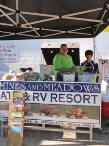 location.2012.mines-and-meadows.hot-dog-stand.jpg