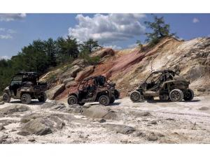 location.2012.ride-royal-blue.tennessee.group.side-x-side.riding.on-rocks.jpg