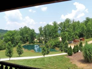 location.2012.ride-royal-blue.tennessee.view_.from-porch.jpg