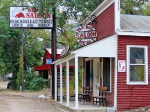 location.2013.elko-county.nevada.red-dog-saloon.JPG