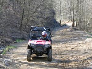 location.2013.harlan-county-kentucky.polaris-rzr.riding.on-trail.JPG
