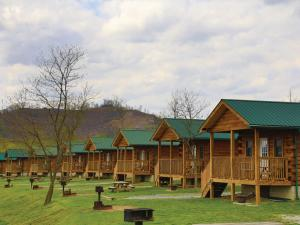 location.2013.hatfield-mccoy.cabins.jpg