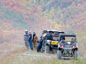 location.2013.kentucky.wilderness-trail.parked-side-x-sides.JPG