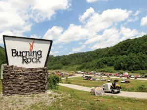 location.2014.tennesse.burning-rock-offroad-park.sign.JPG