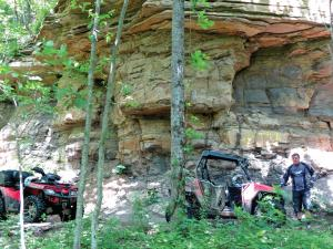 location.2014.windrock.tennessee.atv-and-sidexside.parked.by-rock-cliff.jpg