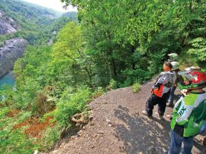 location.2015.anthracite-outdoor-adventure-area.pennsylvania.riders.parked.by-overlook.jpg