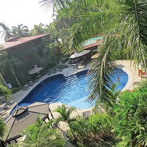 location.2016.costa-rica.pool.jpg