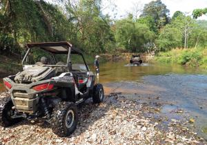 location.2016.costa-rica.side-x-side.parked.by-water.jpg