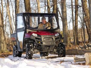vendor.2011.curtis-industries.polaris-ranger.riding.in-snow.jpg
