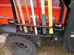 vendor.2011.seizmik.rac-system.kubota-rtv.close-up.shovel-rack.jpg
