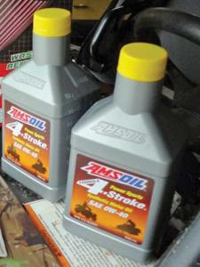 vendor.2012.amsoil.4-stroke-oil.jpg