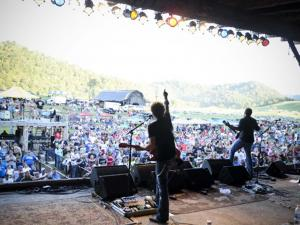 vendor.2012.crockettsville.charity-concert.on-stage.jpg