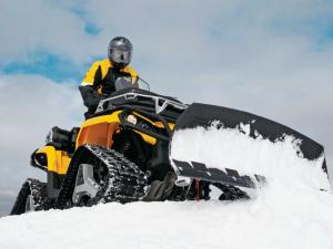 vendor.2013.can-am.alpine-flex-plow.plowing-snow.jpg