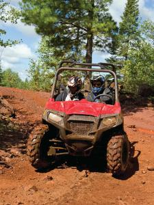 vendor.2014.spearhead-trails.polaris-rzr.riding.on-dirt.jpg