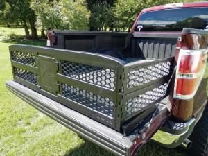 vendor.2014.xtreme-gate.with-panels.in-truck-bed.jpg